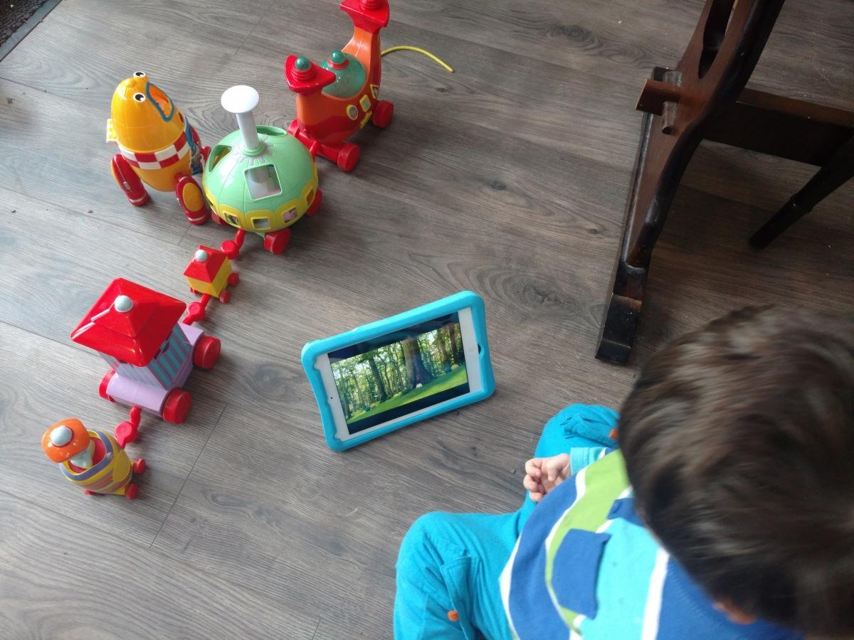 Letting your toddler smash youriPad